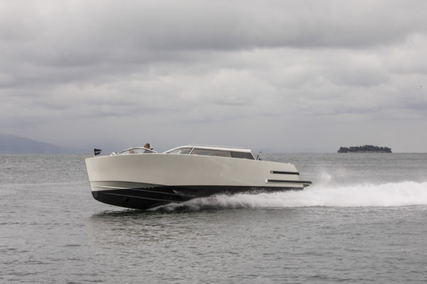 Reliant Yachts x series Luminosity Limo Tuzla, Turkey